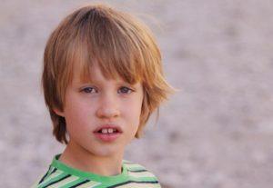 Porträitfoto eines sechsjährigen Jungen